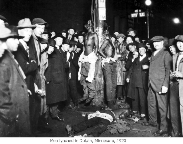 Postcard depicting the 1920 Duluth, Minnesota lynchings
