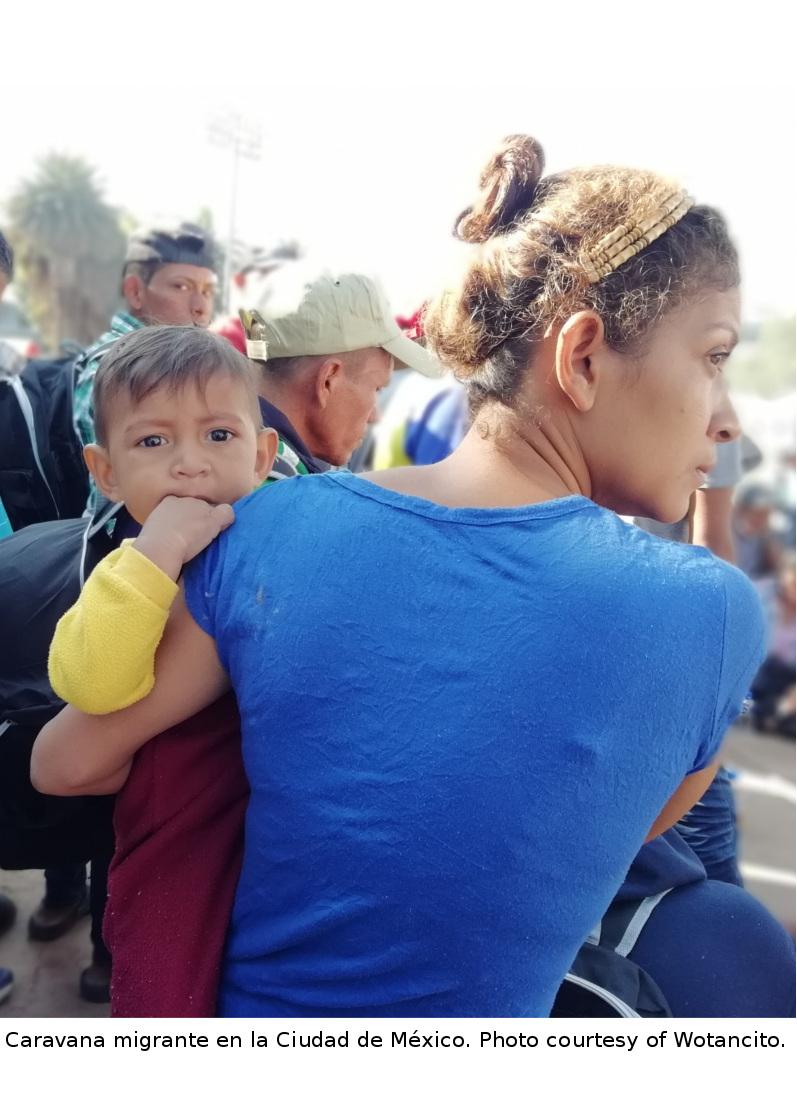Caravana migrante en la Ciudad de México. The migrant caravan in Mexico City.