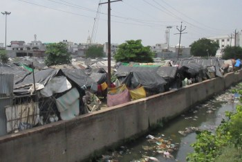 what is a slum slum housing in the developing world